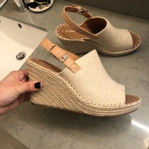 Toms Cream Wedge